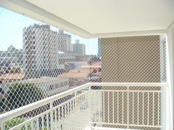 Instalação de tela de proteção de varandas e janelas